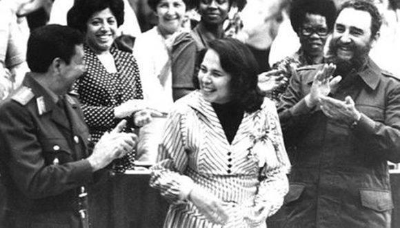 """Fidel Castro: """"La sociedad socialista tiene que erradicar toda forma de discriminación de la mujer"""""""